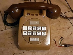 British GPO 726 telephone with DC signaling dial pad (1968).
